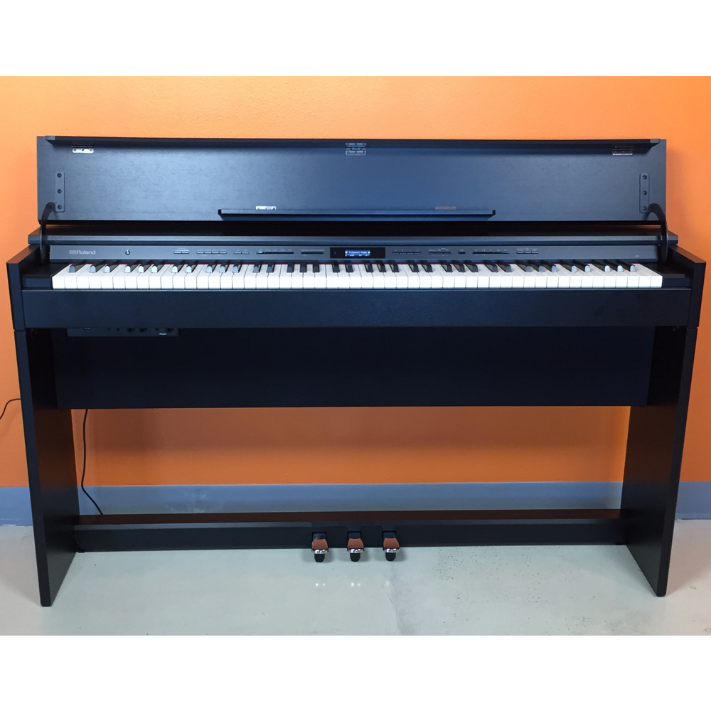 mint condition roland dp603 cb slim and stylish digital piano 88 key weighted hammer action. Black Bedroom Furniture Sets. Home Design Ideas